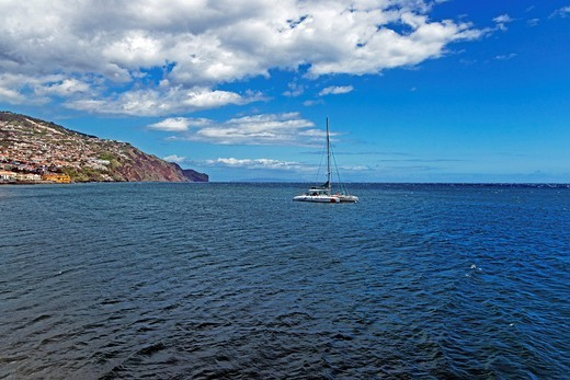 Stock Photo: 1597-156008 Europe, Portugal, Republica Portuguesa, Madeira, Funchal, Avenida do Mar, catamaran, coast, panorama, boats, vehicles, vessels, ships, sea, water, scenery, tourism, clouds