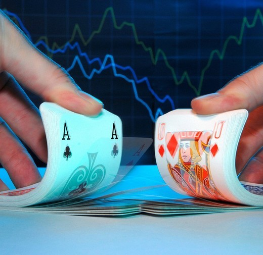 Stock Photo: 1597-157189 Maps, Cards, symbol, finances, economy, poker, luck, gambling, risk, symbol, economy, curve, hands, fingers, Switzerland, mix, mixed, recession, market shares, market,