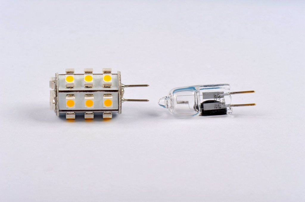 LED, halogen, illuminant, G4, base, low volt, 12 V, power consumption, modern, save, electronics, filter, yellow, Kelvin, energy, ecology, lamp : Stock Photo