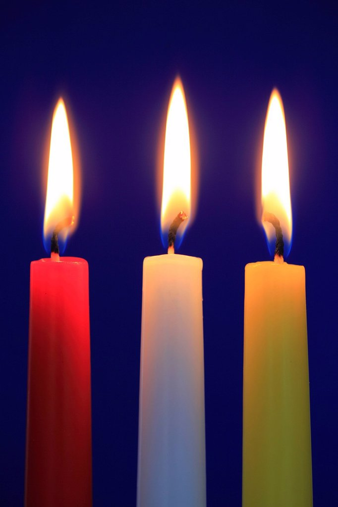 Stock Photo: 1597-158026 3, Advent, detail, flame, background, candle, candles, candle light, candle_light, light, macro, close_up, row, light, sham, Christmas, yule tide, warmth, blue, bright, close up, three, colorful, warm,