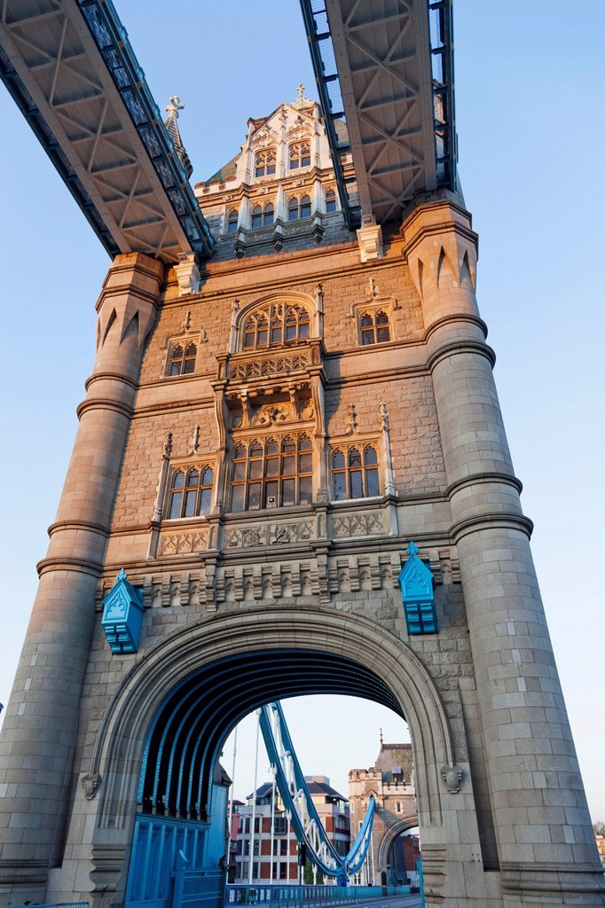 Stock Photo: 1597-161456 UK, United Kingdom, Great Britain, Britain, England, Europe, London, Southwark, Tower Bridge, bridge, River, Thames,