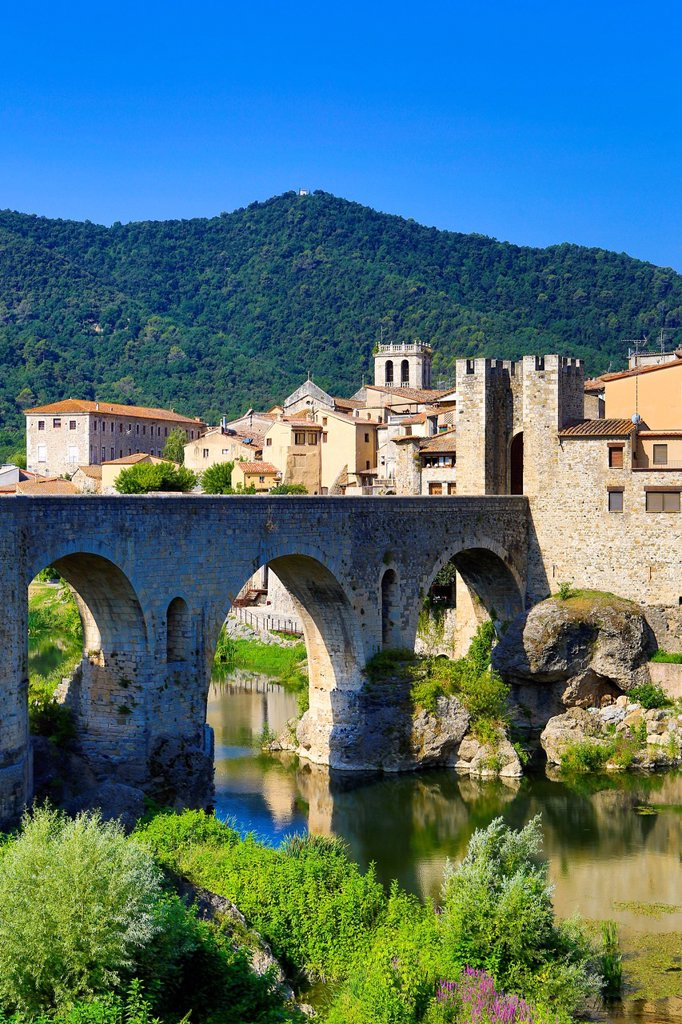 Stock Photo: 1597-161762 Spain, Europe, Catalonia, Girona Province, Medieval, Besalu, town, Bridge, arch, architecture, besalu, bridge, girona, medieval, skyline, tourism,
