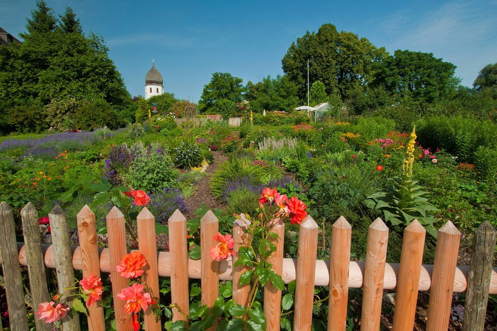 Stock Photo: 1597-162943 Bavaria, Europe, Germany, Upper Bavaria, Chiemsee, Chiemgau, sky, blue sky, women island, Frauenwörth, cloister, island, isle, Benedictine, monastery gardens, garden, sky, blue sky, flower_garden, flowers, roses, herbs, tops, rose, fence, wooden fence