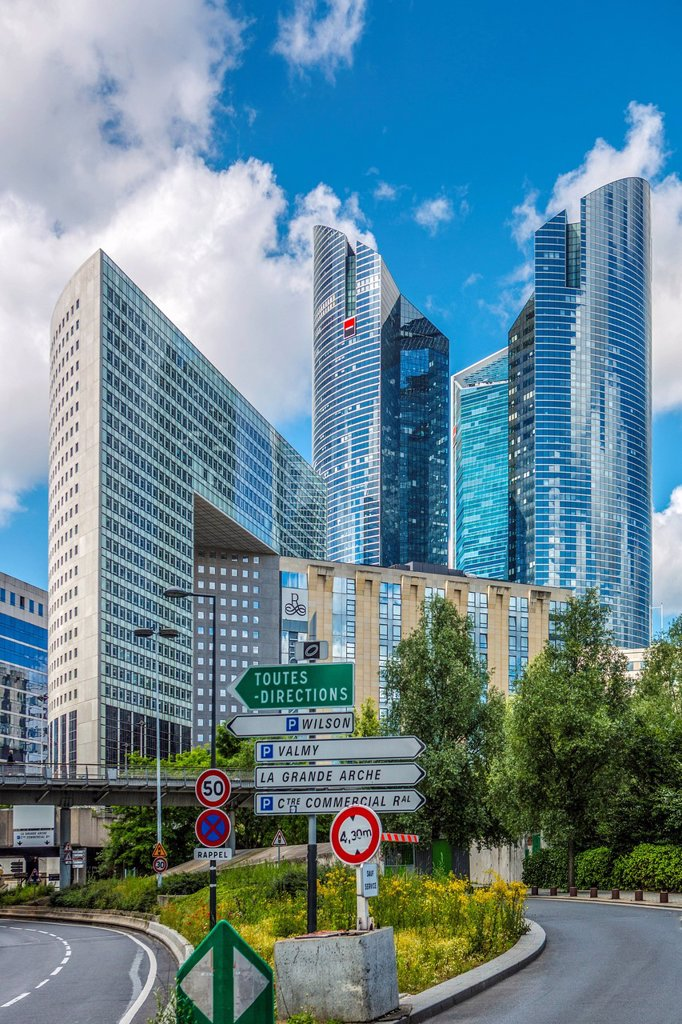 Stock Photo: 1597-162972 France, Europe, travel, Paris, City, La Defense, architecture, buildings, crossing, defense, directions, new, road, signs, skyline, skyscrapers