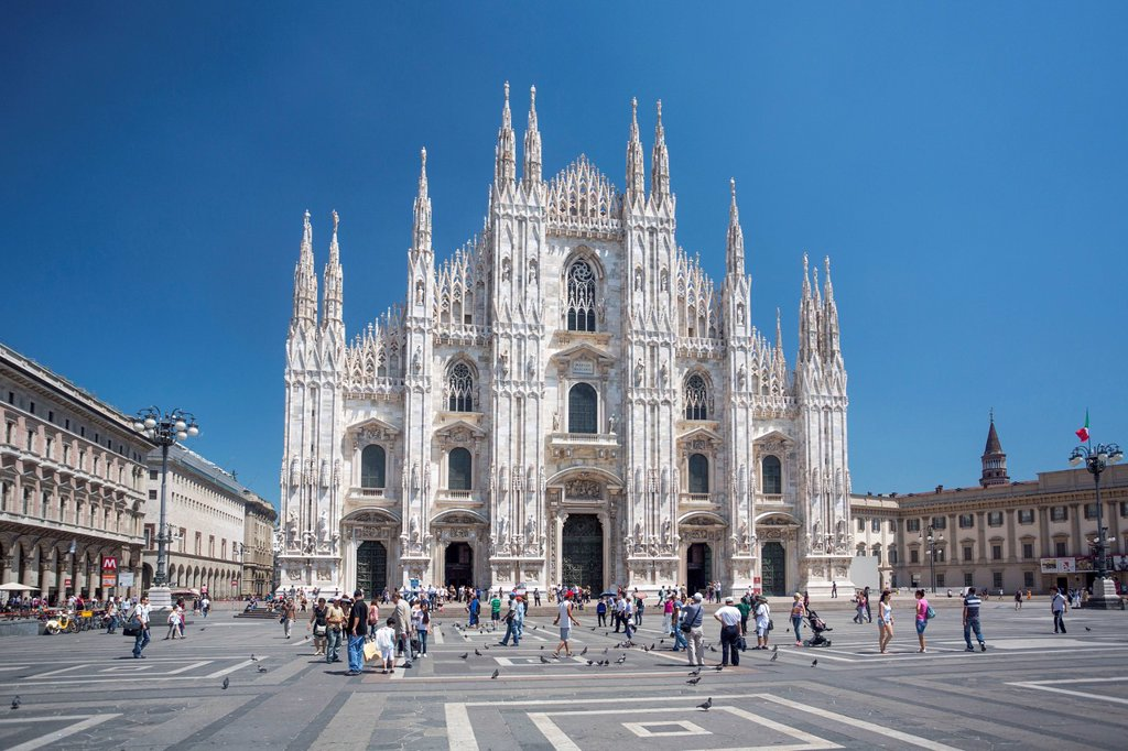 Stock Photo: 1597-163569 Italy, Europe, travel, Milano, Milan, Duomo, Cathedral, architecture, downtown, downtown, duomo, church, square, monumental, skyline, square, tourism,