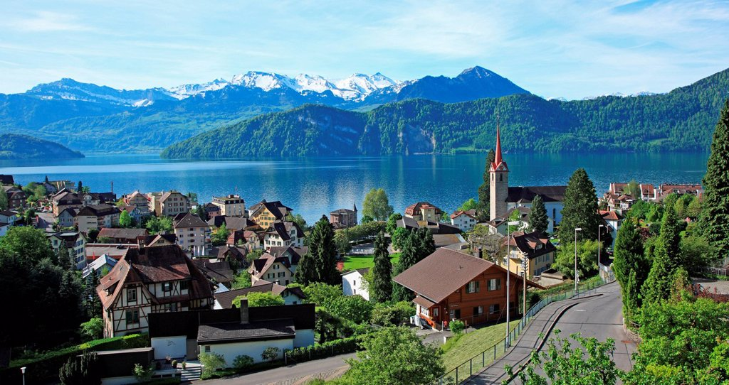 Stock Photo: 1597-163932 Switzerland, Canton Lucerne, Weggis at Lake Lucerne