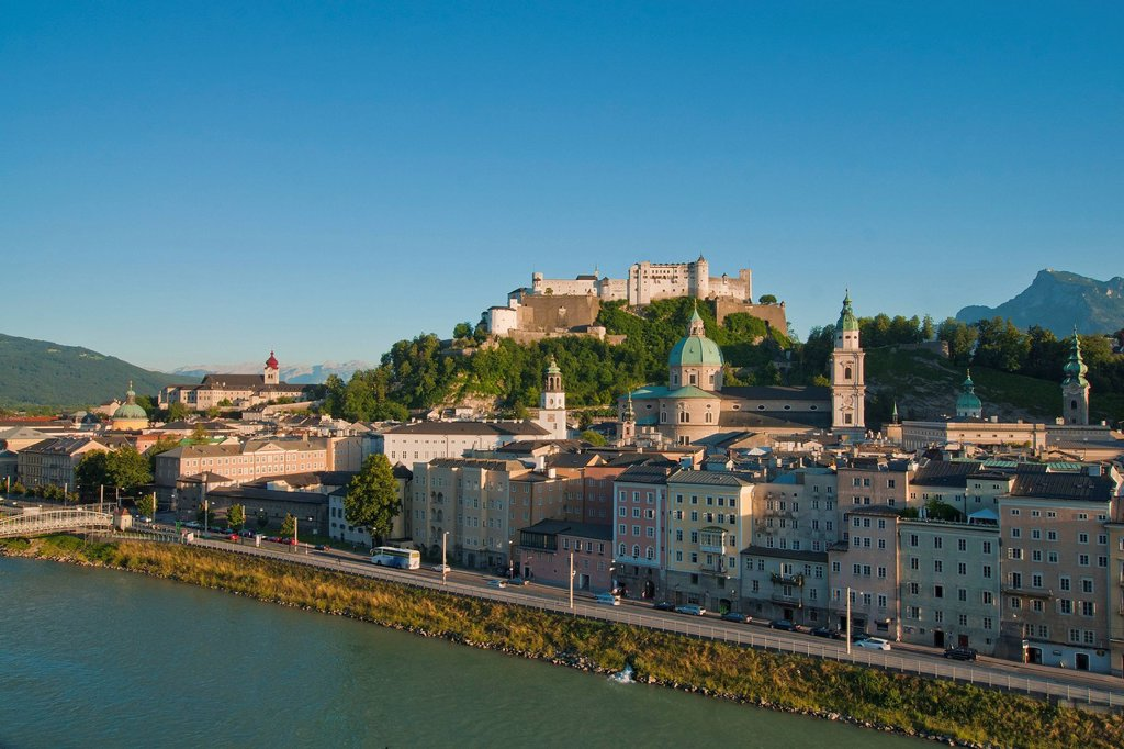Stock Photo: 1597-164136 Austria, Salzburg, fortress, fortress Hohensalzburg, castle, Hohensalzburg, church, faith, religion, art, skill, culture, cathedral, dome, Peter, Franciscan, steeple, Old Town, town, city, panorama, town panorama, Old Town panorama, river, Salzach, water,. Austria, Salzburg, fortress, fortress Hohensalzburg, castle, Hohensalzburg, church, faith, religion, art, skill, culture, cathedral, dome, Peter, Franciscan, steeple, Old Town, town, city, panorama, town panorama, Old Town panorama, river, Sal