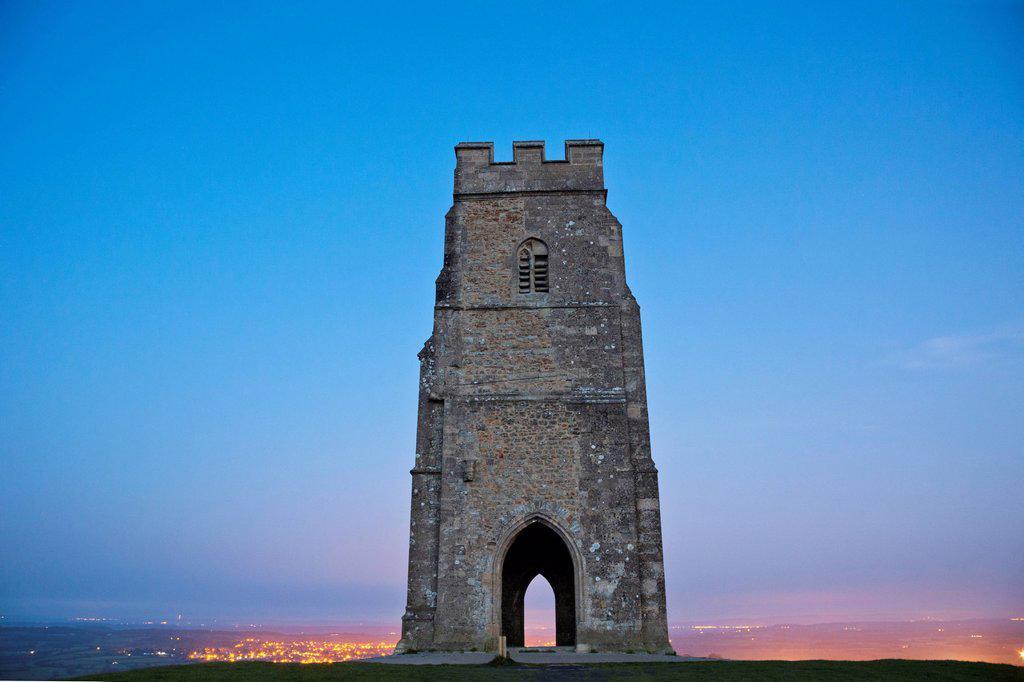 UK, United Kingdom, Great Britain, Britain, England, Europe, Somerset, Glastonbury, Glastonbury Tor, Tor, Tower, : Stock Photo