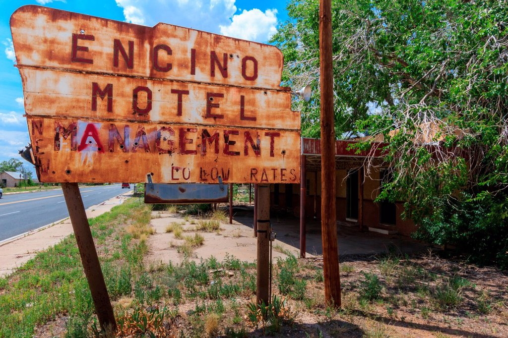 Stock Photo: 1597-168265 old motel sign