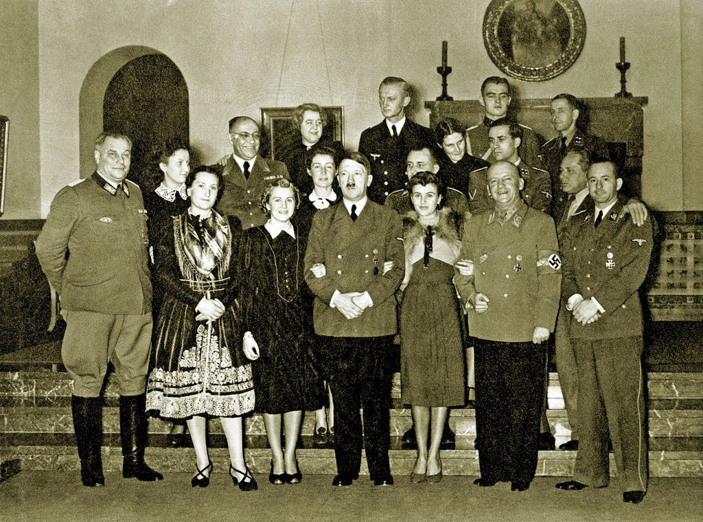 Stock Photo: 1597-169020 Eva Braun, Adolf Hitler, Wilhelm Brückner, Hitler's Chief Adjutant, Christa Schröder, secretary of Hitler, Eva Braun, Adolf Hitler, Gretl Braun, Eva's sister, Adolf Wagner, Site manager, Munich, Otto Dietrich, Press Chief, Gerda Daranowski, secretary of H. Eva Braun, Adolf Hitler, Wilhelm Brückner, Hitler's Chief Adjutant, Christa Schröder, secretary of Hitler, Eva Braun, Adolf Hitler, Gretl Braun, Eva's sister, Adolf Wagner, Site manager, Munich, Otto Dietrich, Press Chief, Gerda Daranowski, se