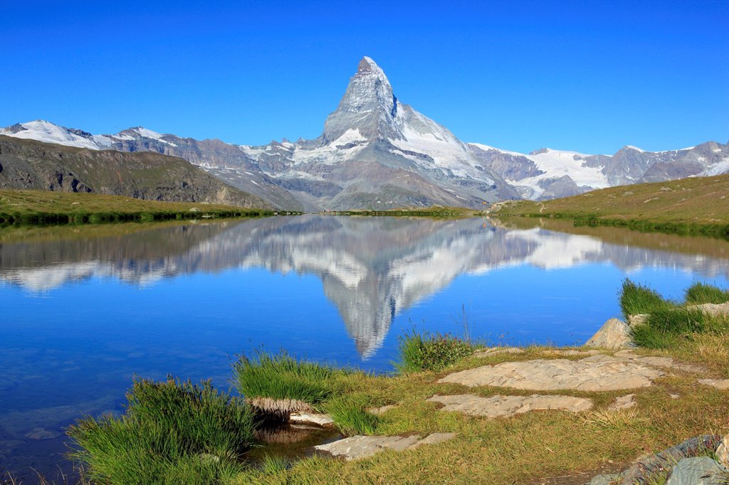 Stock Photo: 1597-169071 Alps, Alpine panorama, view, tree, mountain, mountains, panorama, mountain lake, trees, cliff, rock, summit, scenery, Matterhorn, Mattertal, nature, panorama, Reflection, rest, Switzerland, Europe, Swiss Alps, landmark, lake, summer, reflection, peak, sto. Alps, Alpine panorama, view, tree, mountain, mountains, panorama, mountain lake, trees, cliff, rock, summit, scenery, Matterhorn, Mattertal, nature, panorama, Reflection, rest, Switzerland, Europe, Swiss Alps, landmark, lake, summer, reflectio