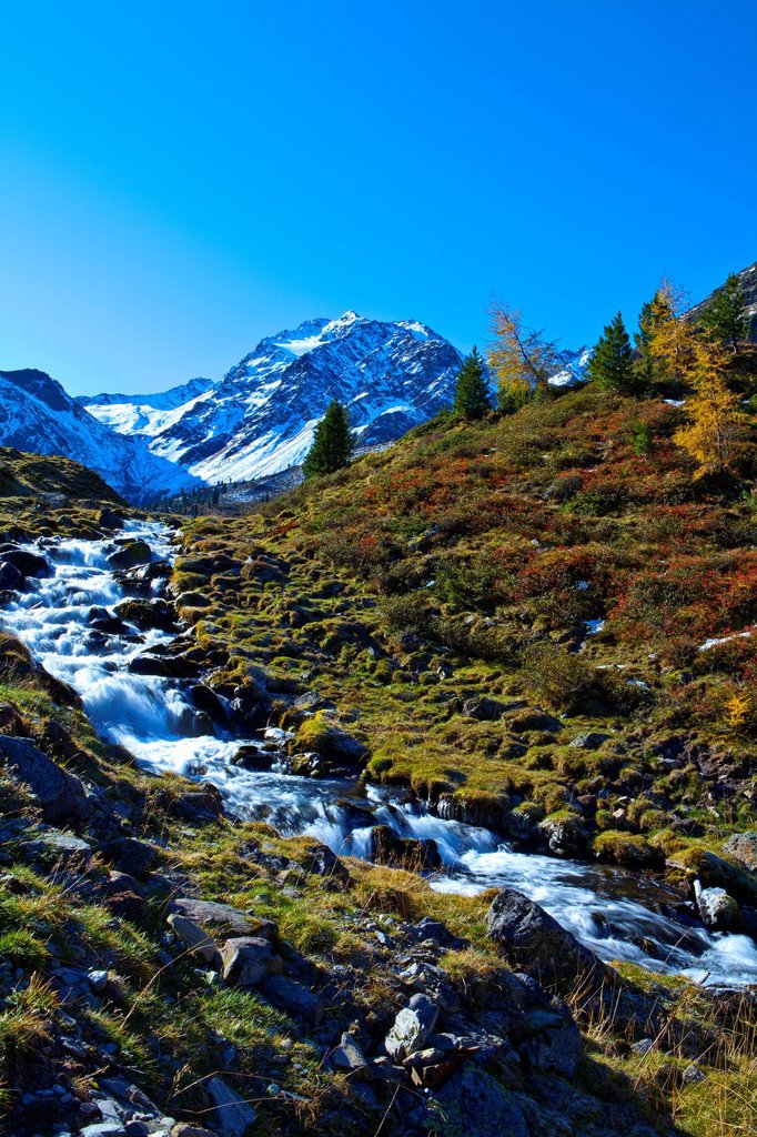 Austria, Europe, Tyrol, Tirol, Ötztal, Umhausen, Fundusalm, alp, Blockkogel, mountain, brook, mountain brook, water, snow, autumn, Ötztal, Alps, 3_thousand mark note, blue, white, green, vacation, rest, silence, calmness, rest, clean, clear water, nature,. Austria, Europe, Tyrol, Tirol, Ötztal, Umhausen, Fundusalm, alp, Blockkogel, mountain, brook, mountain brook, water, snow, autumn, Ötztal, Alps, 3_thousand mark note, blue, white, green, vacation, rest, silence, calmness, rest, clean, clear wa : Stock Photo