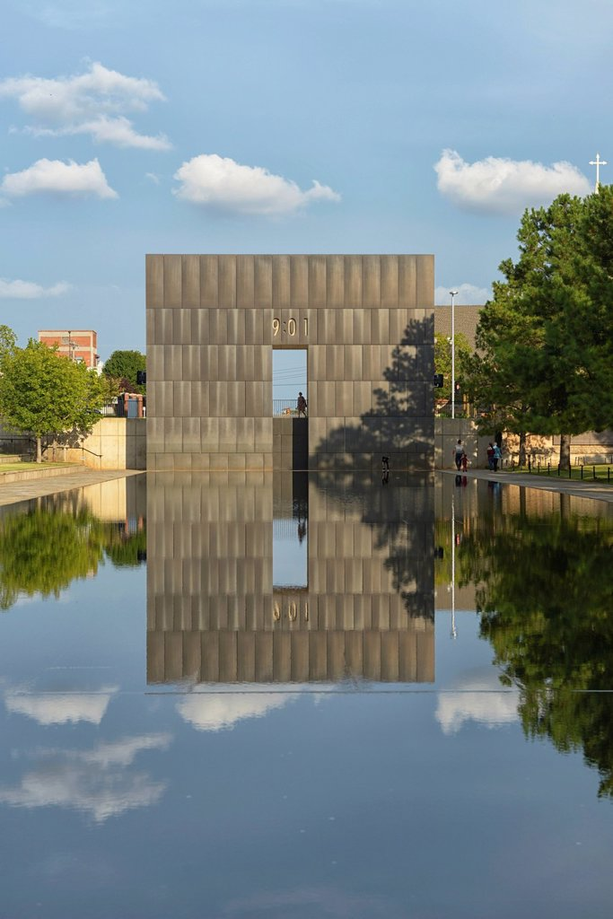Stock Photo: 1597-171010 USA, United States, America, North America, Oklahoma, midwest, Great Plains, Oklahoma City, memorial, bombing, Bombing site, terrorism, park, reflection