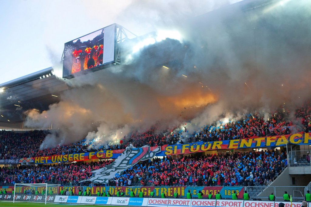 Stock Photo: 1597-173866 Fireworks, Stade de Suisse, stadium, Cup_final, canton, Bern, arrangement, football, soccer, spectator, smoke, fans, Switzerland, Europe,