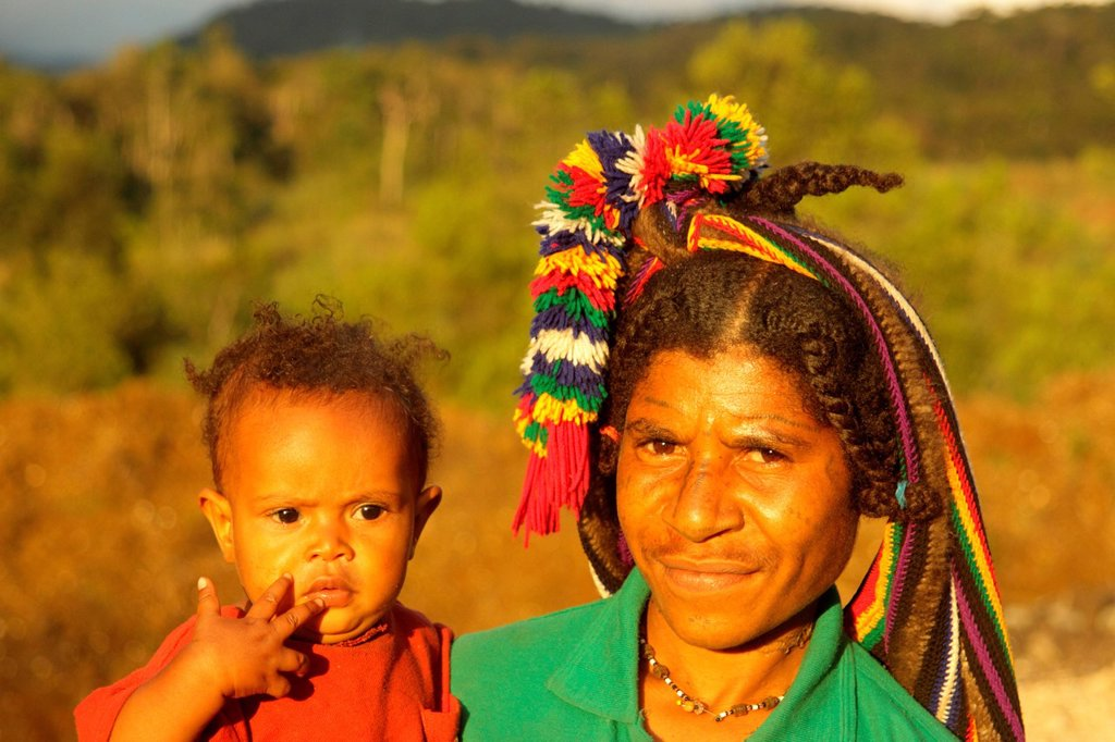Stock Photo: 1597-174545 culture, ethnic, person, indigenous, people, native, tribes, tribeswoman, highlander, mother, child, Huli, Tari, valley, Tari Valley, Southern Highlands Province, Papua New Guinea, Oceania