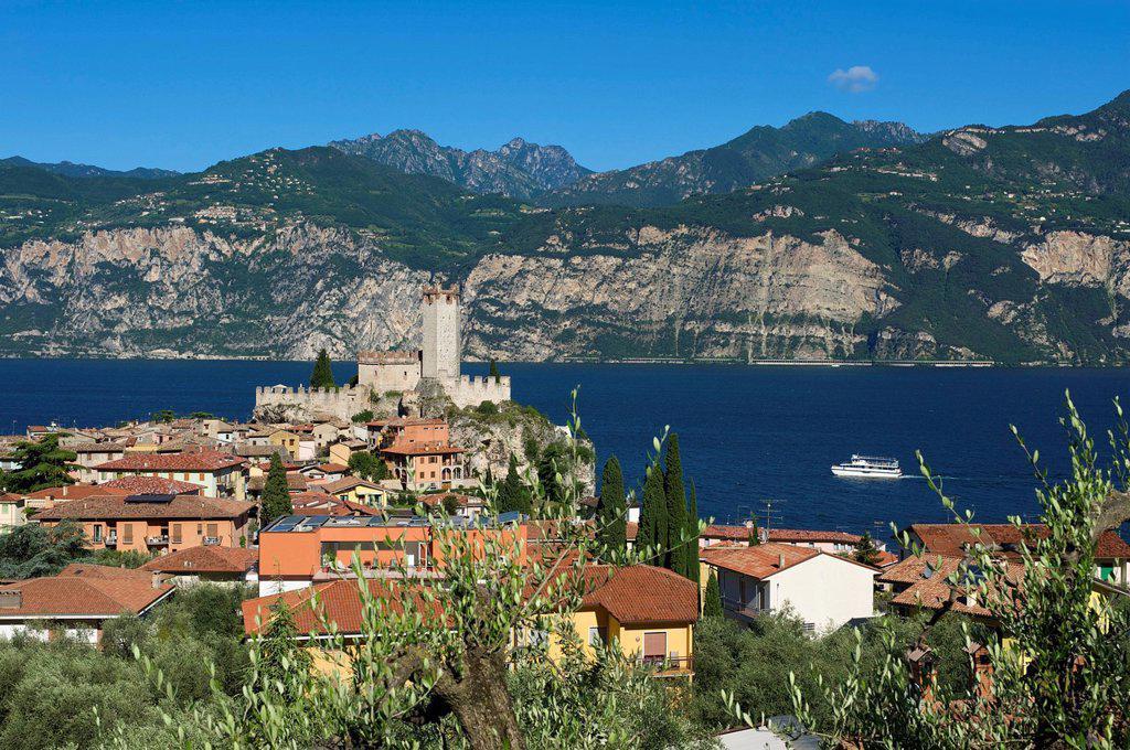 Lake Garda, Italy, Europe, Lago di Garda, Malcesine, mountain landscape, mountain landscapes, mountain, mountains, mountainous, scenery, landscape, outside, daytime, nobody, deserted : Stock Photo