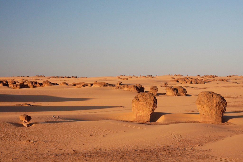 Stock Photo: 1597-179752 Algeria, Africa, north Africa, desert, sand desert, Sahara, Tamanrasset, Hoggar, Ahaggar, rock, rock formation, Tassili du Hoggar, Tuareg, evening, evening light, nature, sand,