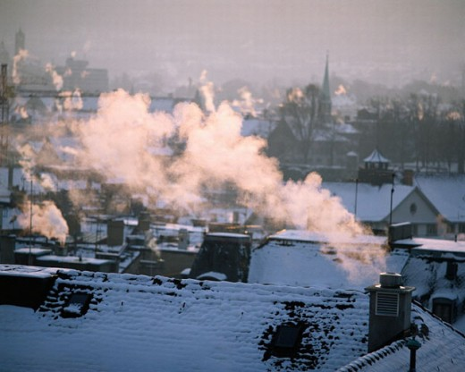 Stock Photo: 1597-2075  roofs, heatings, heating, fine dust, fine dust load, chimneys, fireplaces, chimneys, town, city, snow, air pollution