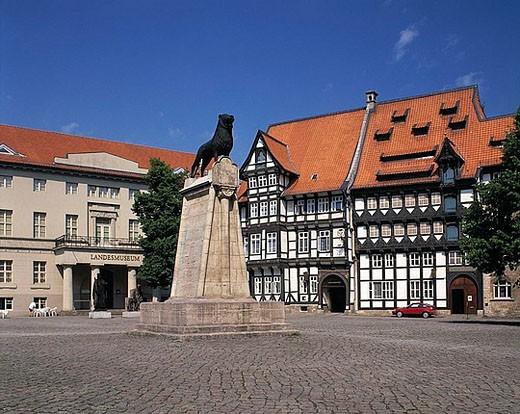 castle place, land museum, museum, Europe, lion sculpture, Heinrich Lowe, Huneborstelsches house, guild house, half_ti : Stock Photo