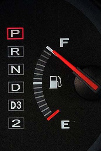 Stock Photo: 1597-25772 car, automobile, passenger car, dashboard, detail, fuel announcement, gasoline, petrol, fuel, combustible, fuel gauge
