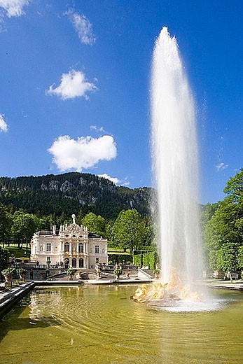 Germany, Europe, Bavaria, castle, Linderhof, king Ludwig II, park, pond, fountain : Stock Photo