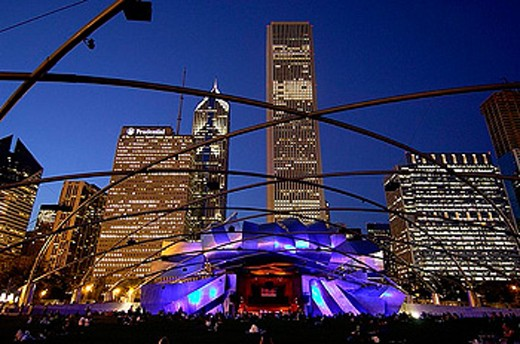 Jay Pritzker Pavilion, from Frank Gehry, at night, night, architecture, moulder, art, skill, culture, person, dusk, tw : Stock Photo