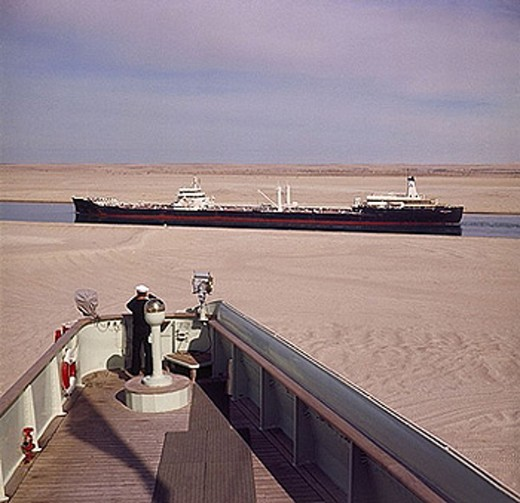 Stock Photo: 1597-28541 Sueskanal, Suez Canal, Sues, Suez, canal, channel, ship, ships, sailor, desert, Ballah loop, Egypt, North Africa, 60s,