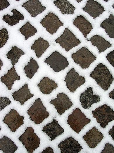 Stock Photo: 1597-29978 cobblestones, paving_stones, ground, bottom, snow, structure, winter