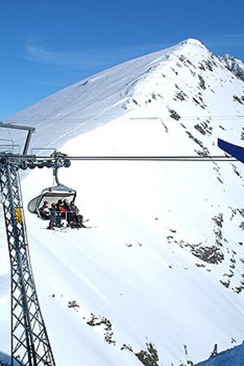 Stock Photo: 1597-31386 Grosstitlis, Titlis, skiing area, winter, winter sports, ski, skier, Snowboarder, mountains, mountain, Alps, snow, cha