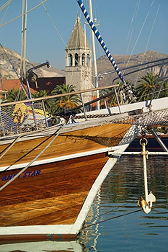 Stock Photo: 1597-34903 Croatia, Europe, Trogir, Dalmatia, Europe, bow, wooden, yacht, sailboat, sail, Boat, anchor, tower, spire, campanile,