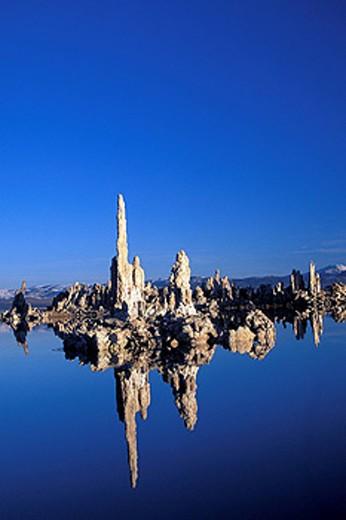 USA, America, United States, North America, Mono lake, California, landscape, water, reflections, rock, rocks, needles : Stock Photo