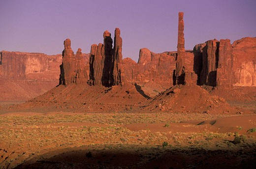 USA, America, United States, North America, Totem pole formation, Monument Valley, Navajo Tribal Park, Arizona, rock f : Stock Photo