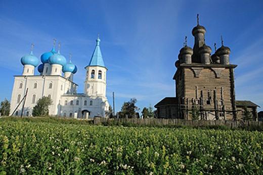 Stock Photo: 1597-41270 Russia, Zaostrovie, Russian, Archangelsk region, Arkhangelsk, Europe, Northern, Northwestern, wooden, blue sky, Rural,