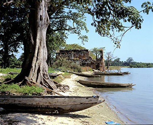 Gambia, Albreda, village, Gambia River, ruins, old French post, slave traders, Africa, building, house, riverbank, ban : Stock Photo