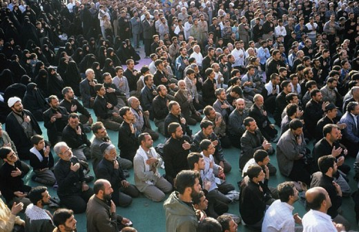 Stock Photo: 1597-5662  devotion, pray, penitents, Iran, Middle East, Isfahan, Islam, kneel, men, crowd, mass, no model release, Shiites rel