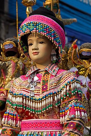 Stock Photo: 1597-58362 Thailand, Golden Triangle, Chiang Mai, Souvenir Dolls, Asia, Northern Thailand, Chiang Rai, Mannekin, Thais, Tribepeople, Hilltribe, Indigenous, Ethnic, Minorities, Traditional Clothing, Costume, Headdress, Headgear, Souvenir, Souvenirs, Doll, Dolls, Holi