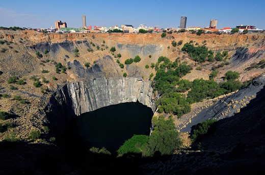 Stock Photo: 1597-58991 The Big Hole, open_pit mine, diamonds, history, mining, industry, Kimberley, Northern Cape, South Africa