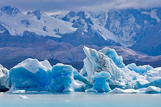 Argentina, Südamerika, Amerika, March 2009, Patagonia, Los Glaciares National Park, Lago Argentino, Lake, Near Upsala Glacier, scenery, ice, landscape, nature, water, mountains : Stock Photo