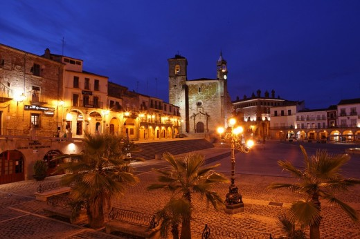 Spain, Europe, Trujillo city, Province of Caceres, Extremadura Region, Plaza Mayor, Old town, Square, Lanterns, Palm t : Stock Photo