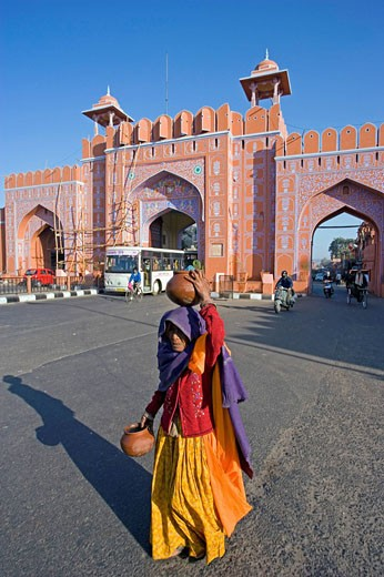 India, Jaipur city, State of Rajasthan, Sanganeri Gate, Asia, travel, January 2008, old, historic, walls, town, archit : Stock Photo