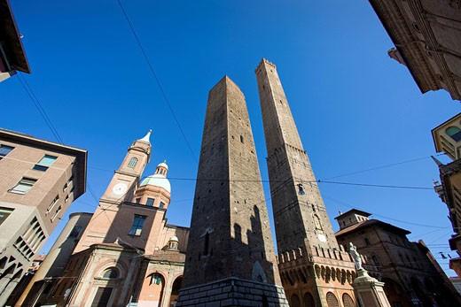 Italy, Europe, Bologna city, travel, Emilia Romagna, Porta Ravegnana, tower, Asinelli and Garisenda, towers, old town : Stock Photo