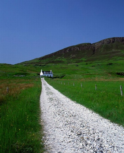 Stock Photo: 1597-7060  loneliness, Elgol, country lane, freedom, liberty, grass, Great Britain, house, home, highlands, hills, Isle of Skye