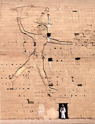 Stock Photo: 1597-75301 Egypt, March 2007, Edfu city, Horus Temple, ancien