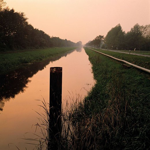 Stock Photo: 1597-76006 Germany, Georgsdorf, velvet municipality new house, canal, channel, Coevorden Piccardie canal, channel, county home Bent, Lower Saxony, evening mood, water, river, flow,