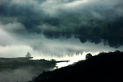 Stock Photo: 1597-76257 England, cumbria, grasmere, winter, scenery, lake district, water, reflection, fog, mood