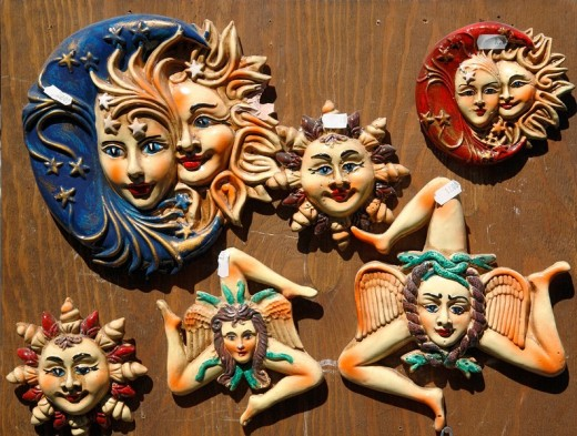 Tourismus, Souvenir, Trinakria, uraltes Symbol fuer die Sonne und, Italien : Stock Photo