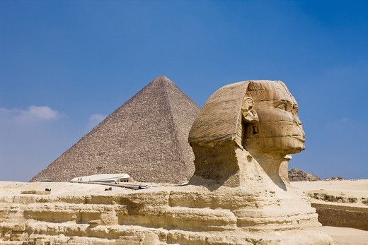 Stock Photo: 1597-83423 Grosse Sphinx von Gizeh vor der Cheops Pyramide, Kairo, Aegypten, Great Sphinx of Giza against Cheops Pyramid, Cairo, Egypt