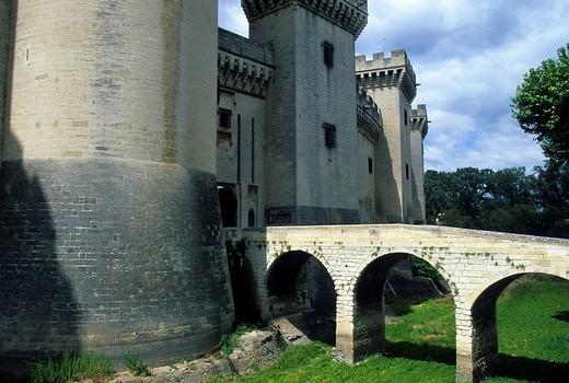Stock Photo: 1597-84443 Tarascon, France, Provence, Bouches_du_Rhône, castle, castle entrance, bridge
