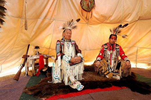 Stock Photo: 1597-88008 Lakota Artist Jim Yellowhawk, his Dad Jerry Yellowhawk, Native American Indian, Tipi interior, Hermosa, Black Hills, South Dakota, USA
