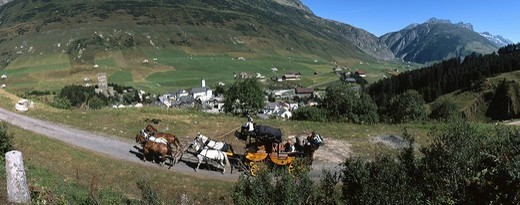 Mit der Postkutsche über den Gotthardpass : Stock Photo